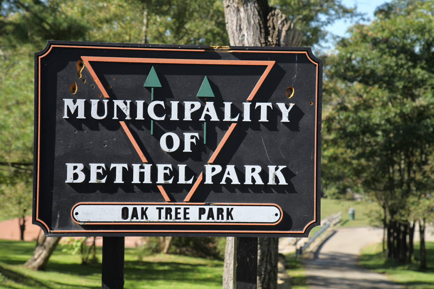 Oak Tree Park Sign